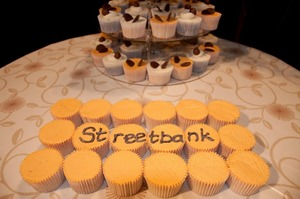 Large streetbank cakes 2